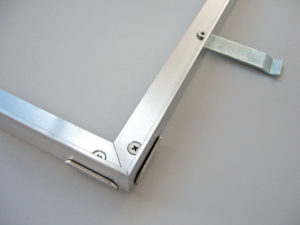Frame with corner connector